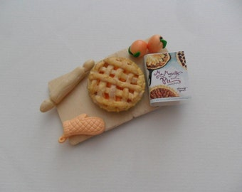 Peach Pie Board (Peach tart Magnet on tray)