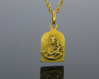 Mary/&baby Jesus pendant 18k solid yellow gold 1inch