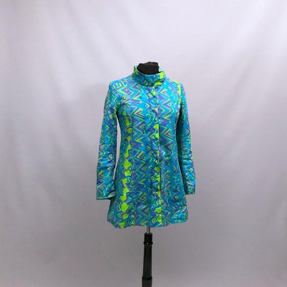 1960s Tunic Mini dress in psychedelic zig zag prin