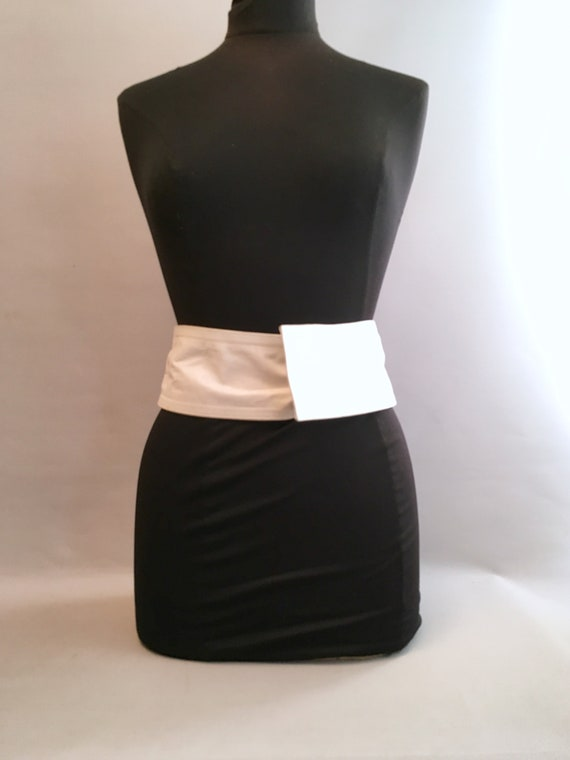 1980s White leather LOEWE belt.  one size fits al… - image 7