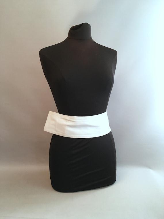 1980s White leather LOEWE belt.  one size fits al… - image 2