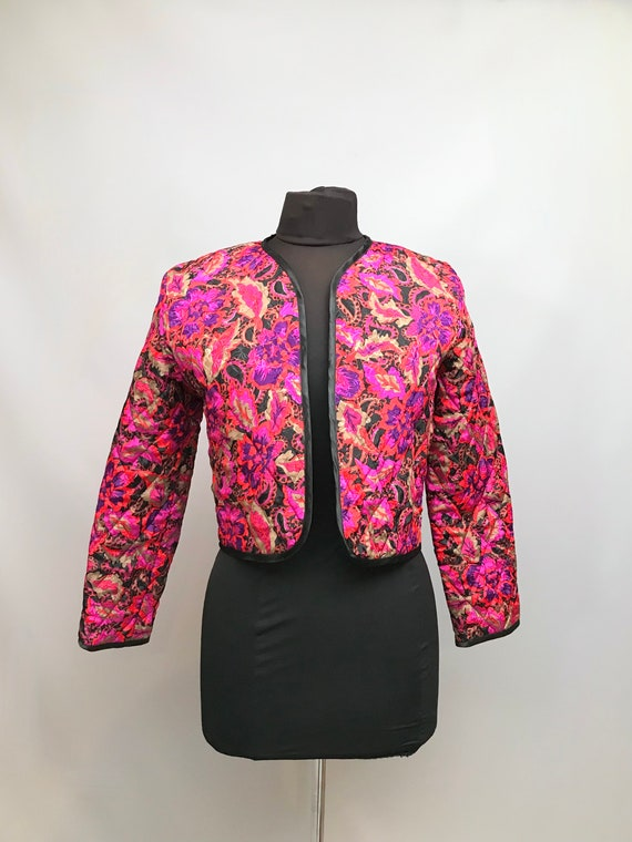 1980s Cute Pink florals and  paisley quilted Boler