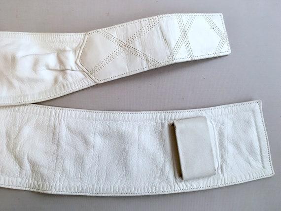 1980s White leather LOEWE belt.  one size fits al… - image 9