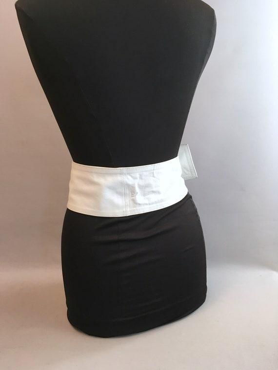 1980s White leather LOEWE belt.  one size fits al… - image 6
