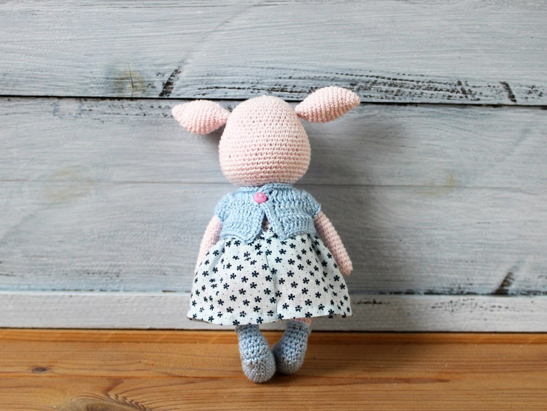 Cute Pig Amigurumi - Free Pattern (Beautiful Skills - Crochet ... | 596x794