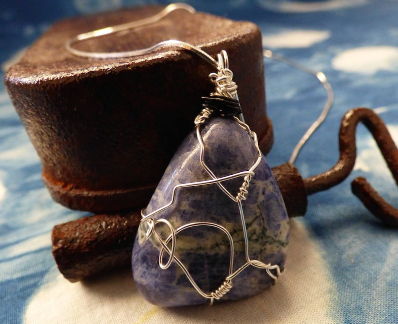 Sodalite /& Fine Silver Water Element Handcrafted West Australian Made Love Wire Woven Pendant Healing