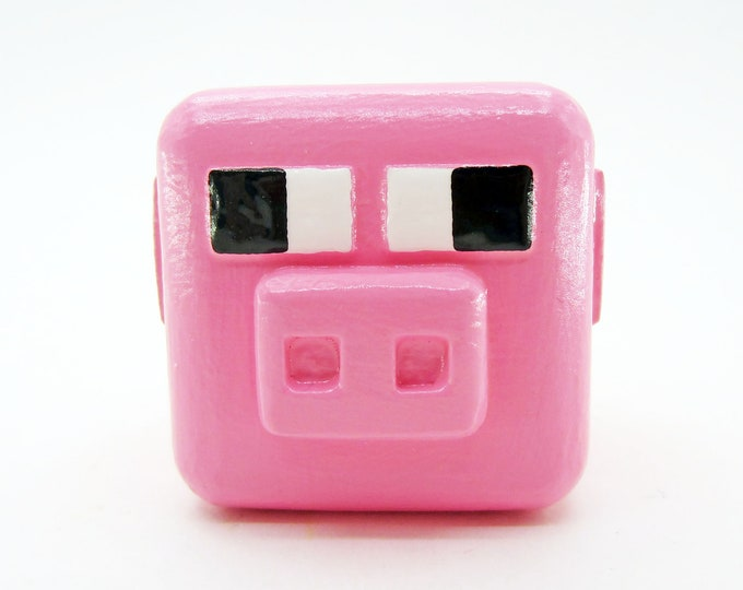 Pig Cabinet Pull | Minecraft