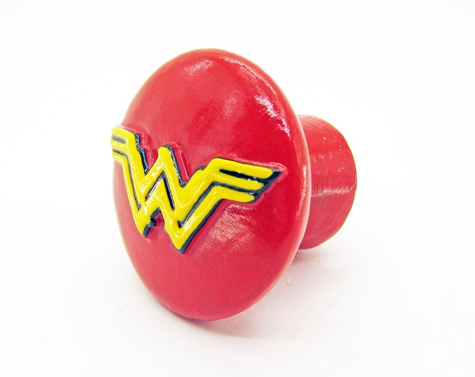 Wonder Woman Drawer Pulls   DC Comics