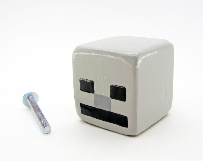 Skeleton Cabinet Pull | Minecraft