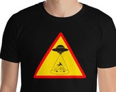 Vanlife / RV Funny T-Shirt / UFO Abduction / Alien / Middle of Nowhere (Mens)