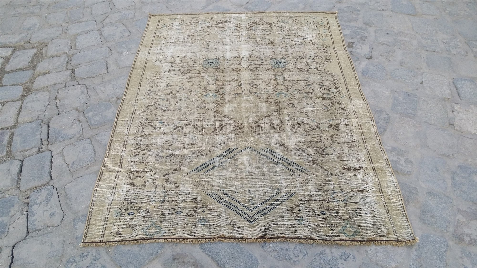 Shabby Chic Rug For The Living Room 5 6 4 0 Ft Vintage Distressed Rug Boho Faded Rug Pastel Rustic Rug Antique Persian Area Rug Turkey