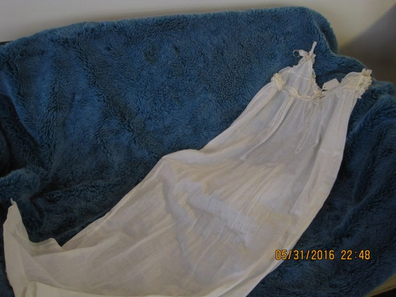 Victorian cotton and lace night gown in white