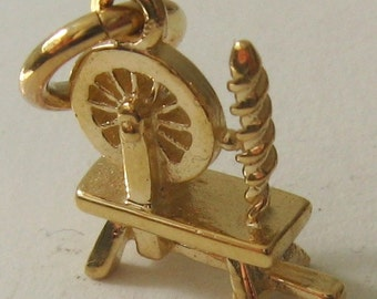 Genuine SOLID 9ct YELLOW GOLD Antique Spinning Wheel charm pendant