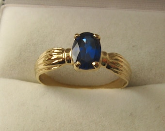 Genuine SOLID 9ct YELLOW GOLD Sapphire Ring