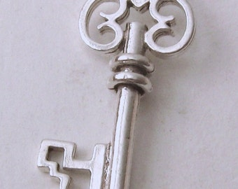 Genuine SOLID 925 STERLING SILVER 3D Large Vintage Key charm/pendant