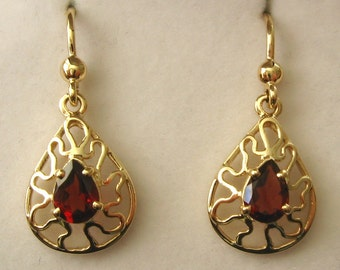 Genuine SOLID 9K 9ct YELLOW GOLD January Birthstone Garnet Earrings