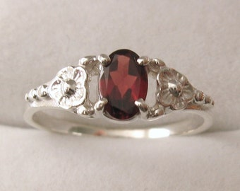 Genuine SOLID 925 Sterling Silver Garnet Ring L/6 to P/8 Same Price