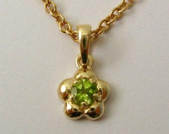Genuine SOLID 9K 9ct YELLOW GOLD August Birthstone Daisy Peridot Pendant