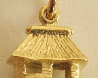 Genuine SOLID 9ct YELLOW GOLD Old House Hut charm pendant
