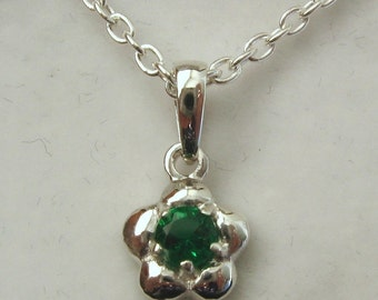 Genuine SOLID 925 Sterling Silver May Birthstone Daisy Emerald Pendant