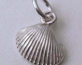 Genuine SOLID 925 STERLING SILVER 3D Sea Shell Beach charm/pendant