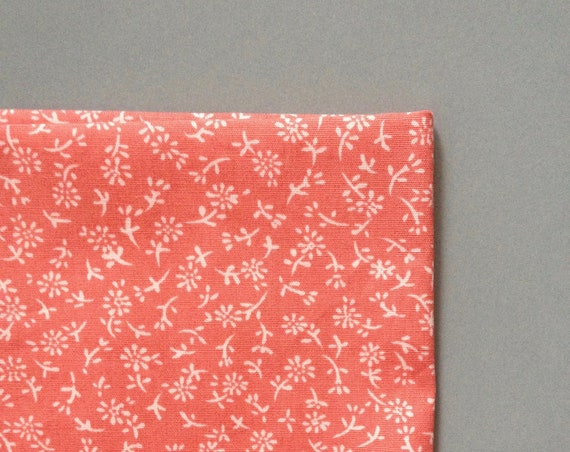 Pocketsquare with flower patter in liberty-Style, coral