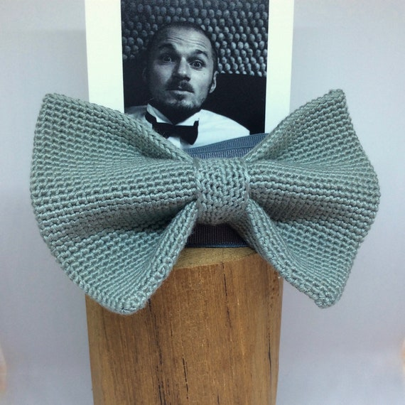 Knitted Bowtie in Eukalyptus!
