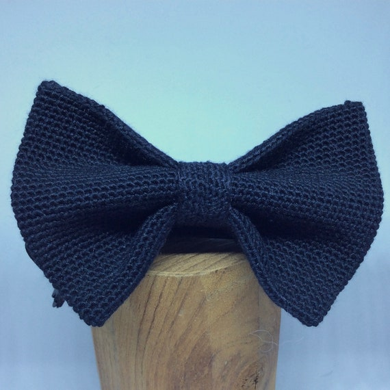 Crochet Bowtie, 100% Silk, Navy