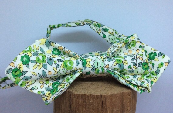 Pointed Bowtie in Liberty print with green flowers.