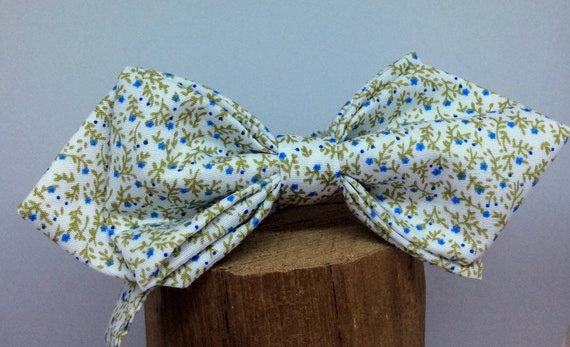 Pointed Liberty bow tie with blue-green floral pattern