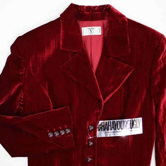 VALENTINO : Red Velvet Blazer