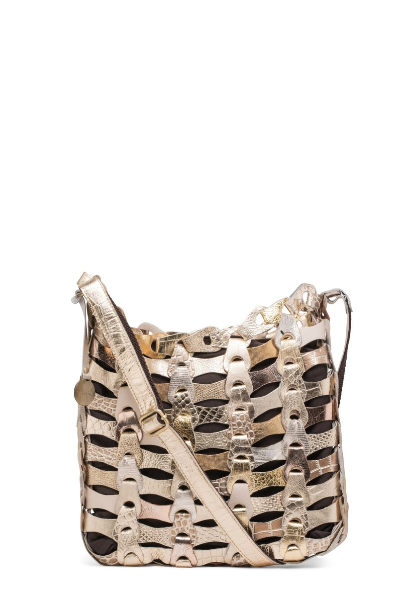 bc1600c80c Shiny Gold Style Aida The smaller braided leather bag from