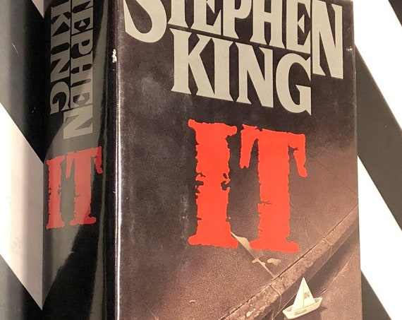 It by Stephen King (1986) hardcover book