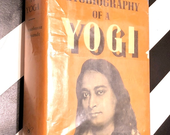 Autobiography of a Yogi by Paramahansa Yogananda (1969) hardcover book