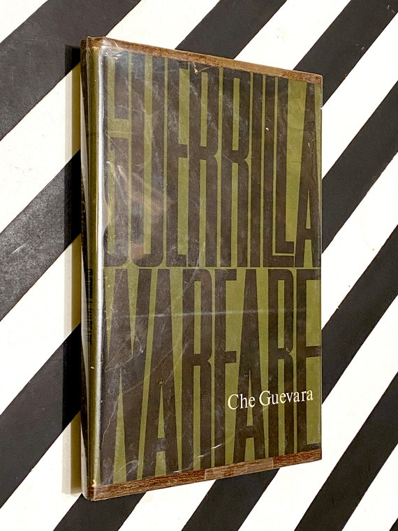Guerilla Warfare by Che Guevara (1961) first edition book