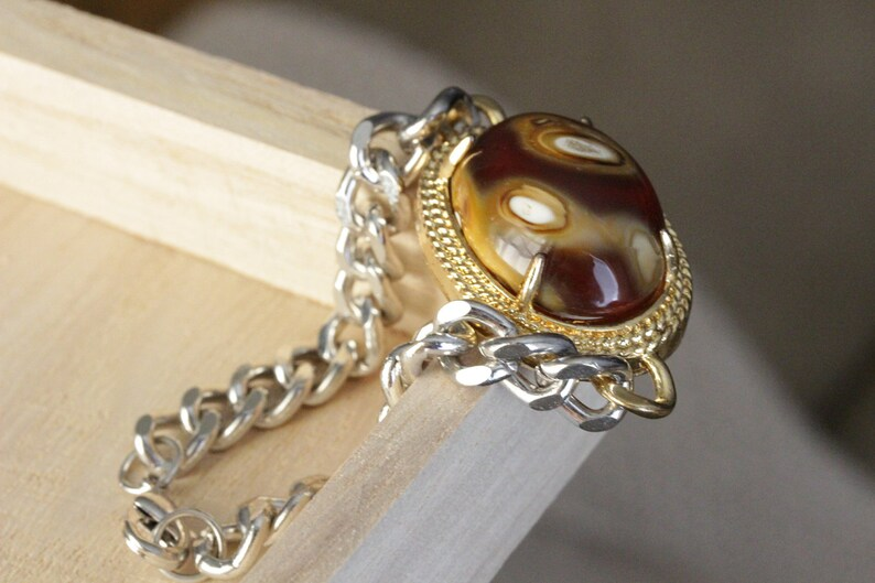Unique Color Scheme Agate Pendant Necklace