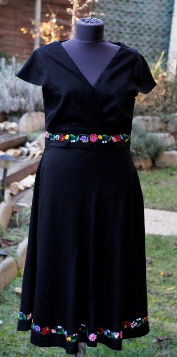 Hungarian hand embroidered dress, Traditional Hung