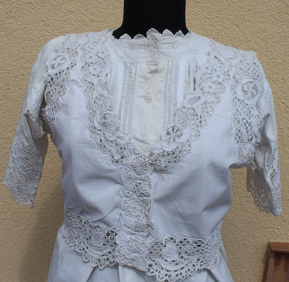 Antique Amazing hand embroidered white Hungarian … - image 2