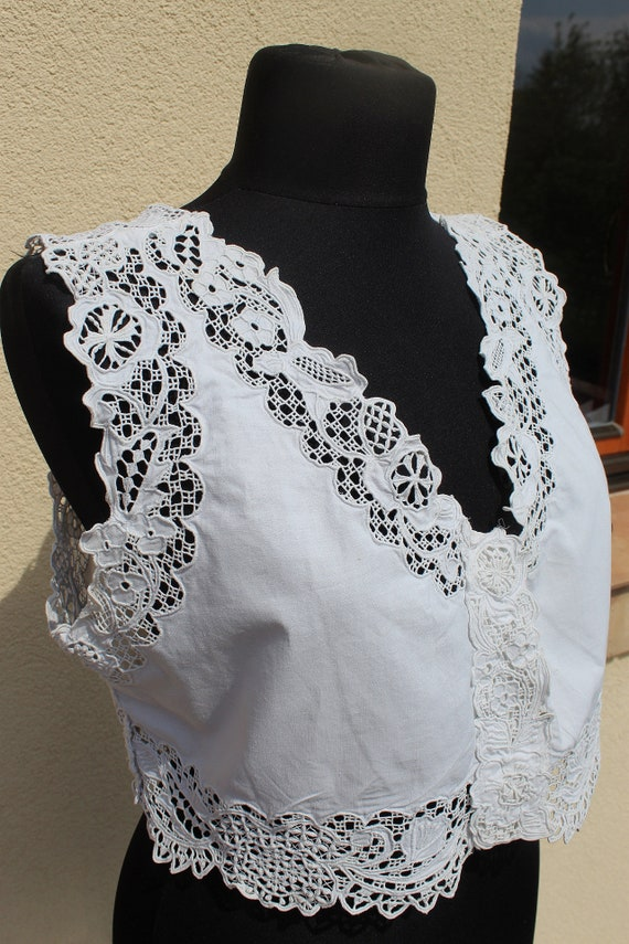 Antique Amazing hand embroidered white Hungarian … - image 1