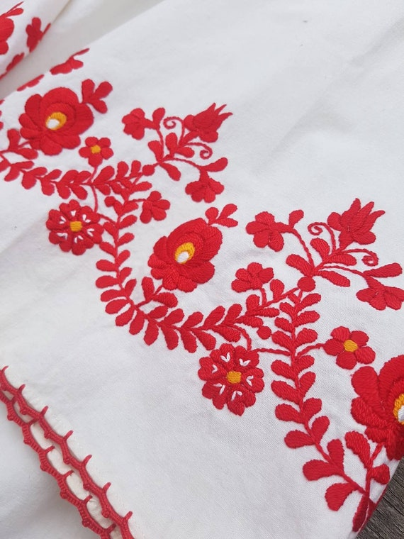 Vintage Hungarian White  and red  Blouse handembr… - image 3