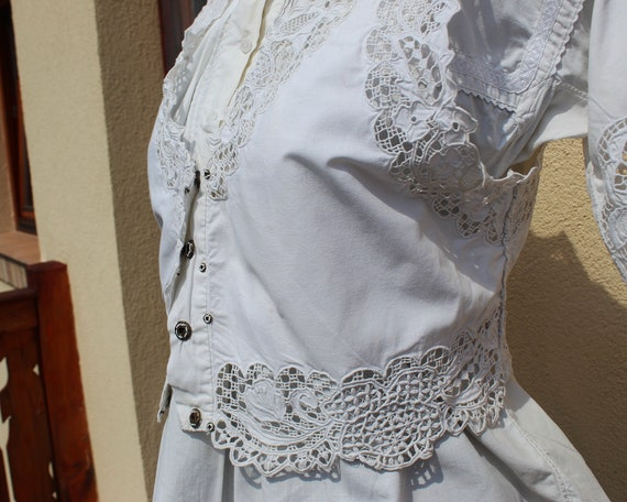 Antique Amazing hand embroidered white Hungarian … - image 3
