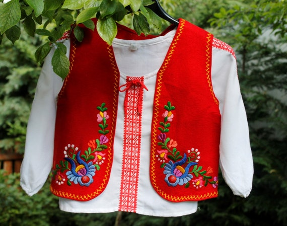 Vintage Hungarian handembroidered children Matyó V