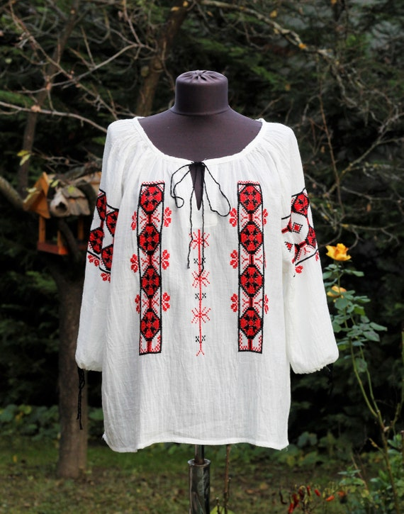 Vintage  White Blouse with red and black handembro