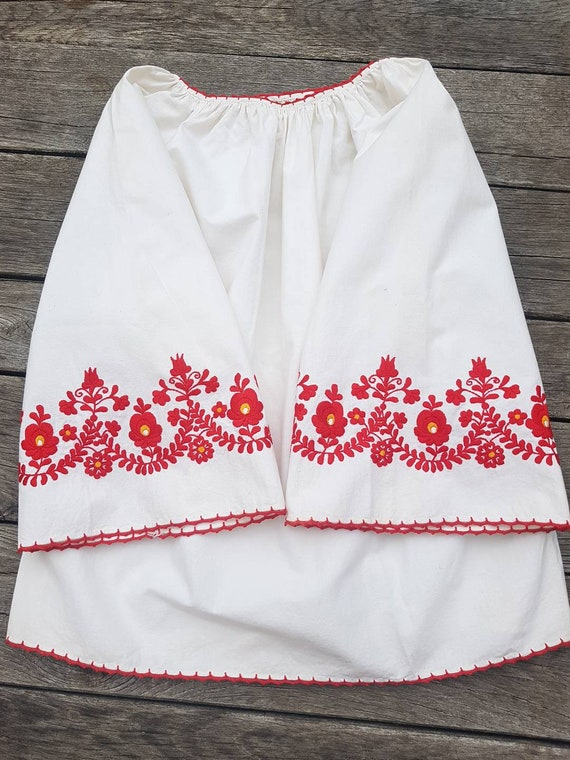 Vintage Hungarian White  and red  Blouse handembr… - image 2