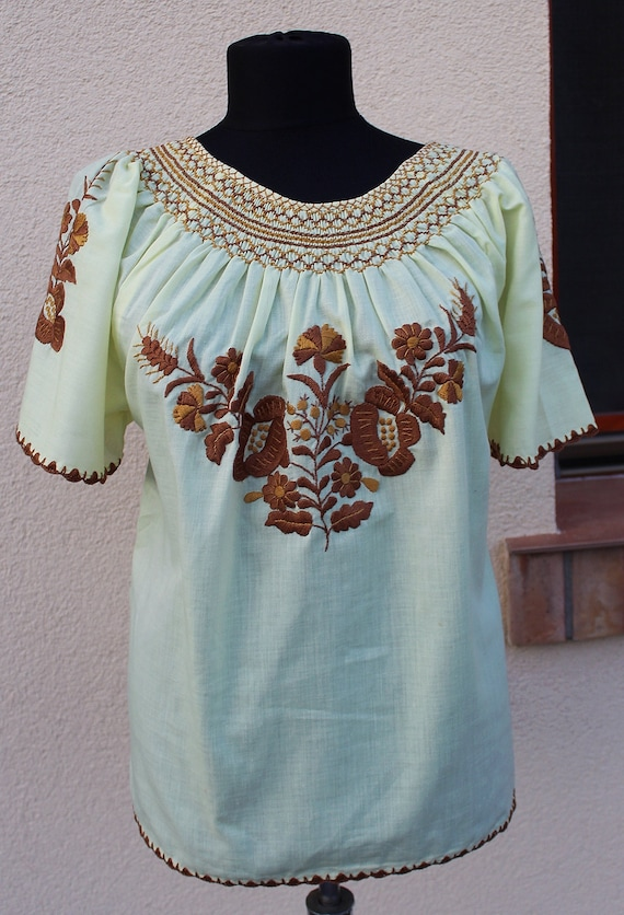 Vintage Hungarian Light yellow  Blouse Floral hand