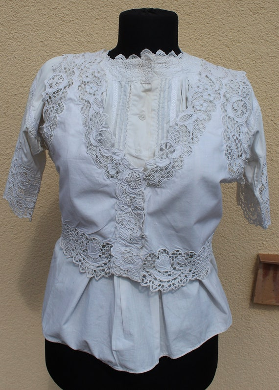 Antique Amazing hand embroidered white Hungarian … - image 5