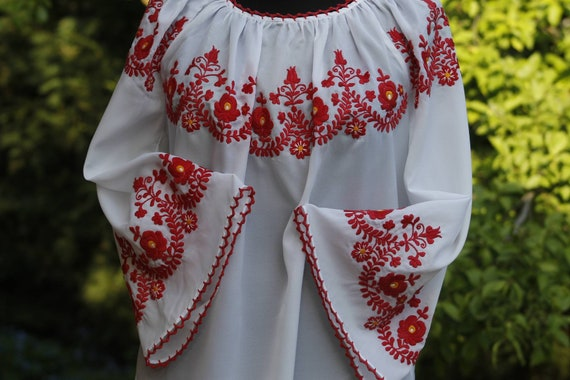 Vintage large Hungarian White Red Blouse Floral ha