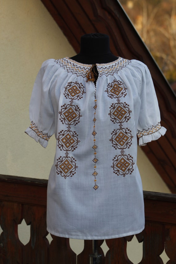 Vintage Hungarian Brown Blouse Floral handembroide