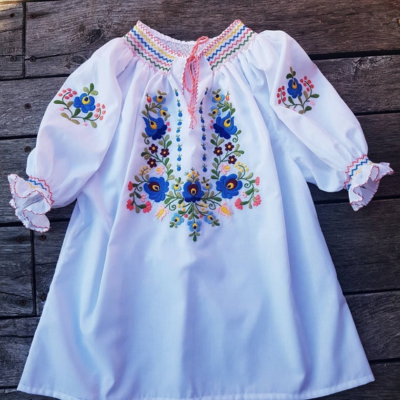 Hungarian Handembroidered Blouse Floral handembroi