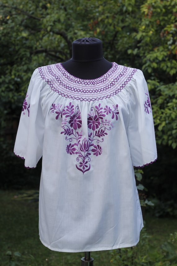 Vintage Hungarian Blouse Floral handembroidered, P